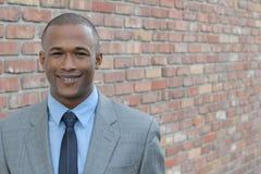 成功非裔美国人商人微笑 免版税库存照片