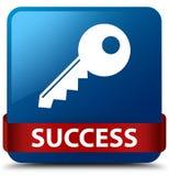 成功(关键象)蓝色方形的按钮红色丝带在中部 免版税库存图片