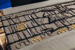 成套工具外科器械和工具 免版税库存照片