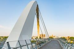 成就桥梁的衣阿华妇女在得梅因 免版税库存图片