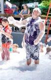 成年人获得乐趣在泡影事件 免版税库存图片