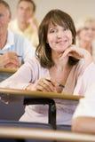 成年女性听的学员 免版税库存图片