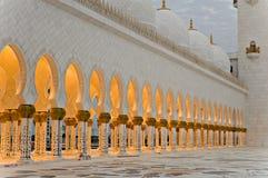 成拱形清真寺回教族长zayed 免版税库存图片