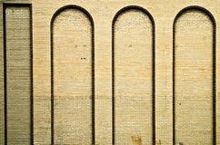 成拱形砖墙 免版税库存照片