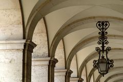 成拱形结构上 免版税库存照片