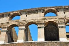 成拱形罗马 免版税库存图片