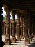 成拱形delh minar新的qutab 免版税库存图片
