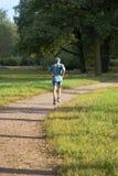 成熟健康跑步的人 免版税图库摄影