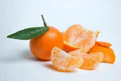 成熟在白色背景的普通话柑橘被隔绝的蜜桔橘子 库存照片