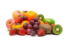 成熟在白色背景隔绝的莓果和果子 免版税库存图片