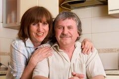 成熟夫妇的幸福 免版税库存照片