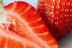 成熟新鲜的草莓特写镜头 库存照片