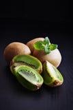 成熟果子的猕猴桃 免版税库存图片