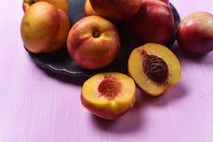 成熟桃子的构成 库存图片