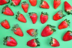 成熟甜草莓 免版税库存照片