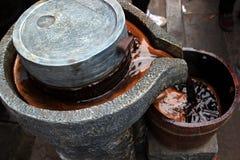 成熟醋manufacturingï ¼ Œhandwork 免版税库存照片