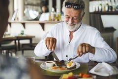 成熟食人的早餐在旅馆 免版税图库摄影