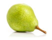 成熟 新鲜 在白色背景的水多的梨 免版税库存照片