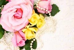 成珠状玫瑰 库存照片