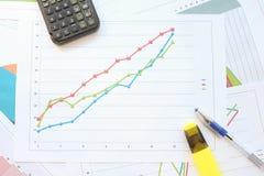 成长曲线图标志 免版税库存图片