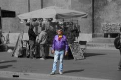 成年人穿戴了用一个异常的方式在罗马,意大利 图库摄影