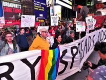 我们仍然死的一团援助抗议NYC 2017年11月29日 库存图片