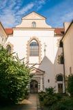 我们的在链子下的夫人教会在12世纪建立了作为罗马式大教堂 免版税库存照片