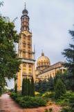 我们的地衣,波兰2018-09-22,美丽的地衣五颜六色的老城市,最大的天主教会的夫人大教堂在波兰 库存照片