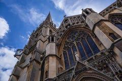 我们的夫人和英国受难者教会 在1890年完成,这个大哥特式复兴天主教会以古老维尔京3月为特色 免版税库存图片