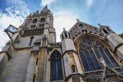 我们的夫人和英国受难者教会 在1890年完成,这个大哥特式复兴天主教会以古老维尔京3月为特色 库存图片