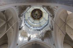 我们的夫人大教堂的圆顶  免版税库存照片