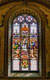 我们的夫人彩色玻璃在圣玛丽亚小山谷`生命教会里,在罗马,意大利 库存照片