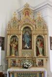 我们的夫人法坛在圣十字在锡萨克,克罗地亚教会里  免版税库存照片