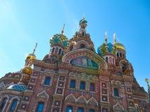 我们的溢出的血液的救主教会的细节  桥梁okhtinsky彼得斯堡俄国圣徒 免版税库存照片