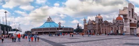 我们的瓜达卢佩河的夫人大教堂正方形在墨西哥城 免版税库存图片