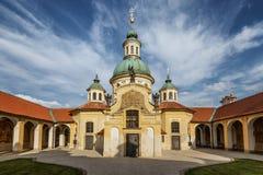 我们的白色山的夫人Victorious教会在布拉格 免版税库存图片