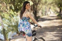 我喜爱骑我的自行车 免版税图库摄影