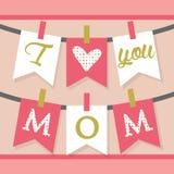 我爱你妈妈垂悬的横幅装饰和旗布在桃红色 免版税库存照片
