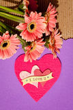 我爱你-与花和心脏 库存图片