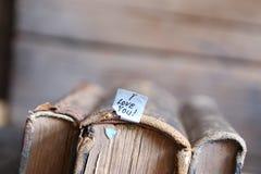 我爱你-葡萄酒样式、文本和旧书 免版税库存图片