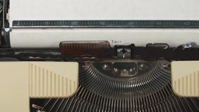 我爱你-键入在一台老打字机 股票视频