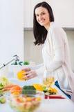我的沙拉的只干净和新vegies 免版税库存图片