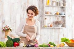 我更喜欢健康吃对有害的食物 图库摄影