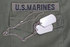 我们海军陆战队员一致与空白的卡箍标记 免版税图库摄影
