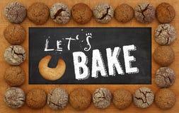 我们烘烤黑板,木制框架曲奇饼 免版税图库摄影