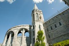 我们的卢尔德圣所大教堂-法国的夫人 免版税库存图片