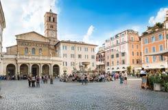 我们的夫人大教堂在Trastevere (大教堂二圣玛丽亚在Trastevere)在罗马,意大利 免版税库存照片