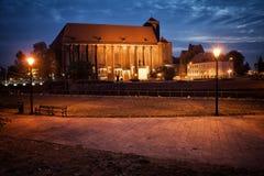 我们的夫人教会在弗罗茨瓦夫在夜之前 库存照片