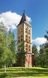 我们的夫人教会的军事公墓和钟楼在拉彭兰塔 南卡累利阿区 芬兰 免版税库存照片