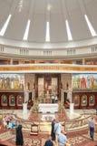 我们的夫人最近被修造的寺庙内部新的福音传道和圣约翰保禄二世星  免版税图库摄影